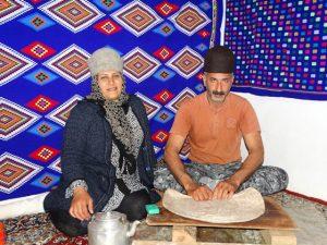 اسماعیل نیکوکار و همسرش